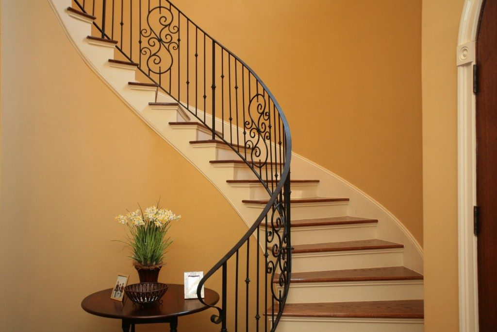Curved interior stairs