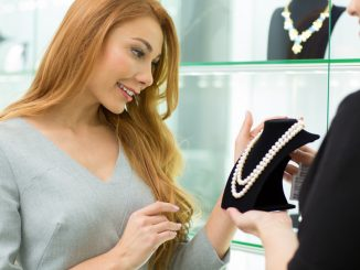 woman shopping for jewelry